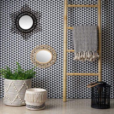 marcos espejos decorados a mano hechos de bambú reciclado.