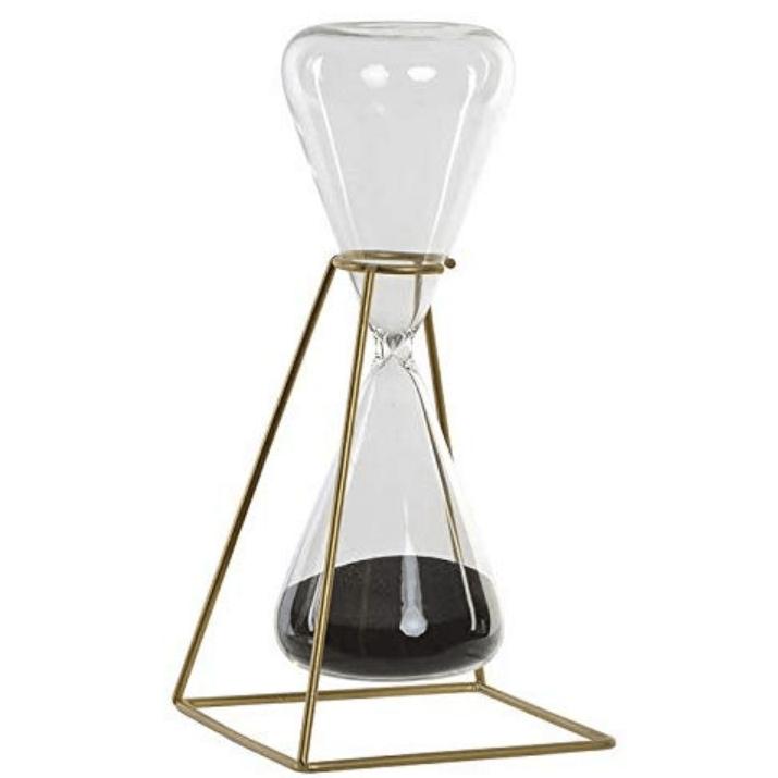 reloj de arena negra con soporte de metal dorado y cristal transparente.