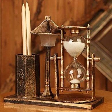 relojes de arena con luz metal antiguo decorativo