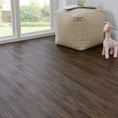 suelos vinilo autoadhesivo sin obras madera colores decoracion interiores