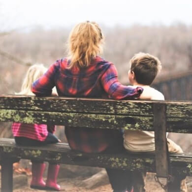 familiares amigos naturaleza diversion juegos risas niños niñas