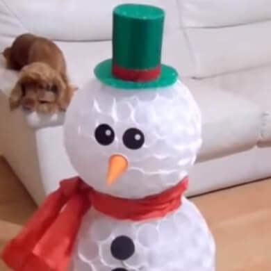 muñeco de nieve con vasos reciclados feliz navidad